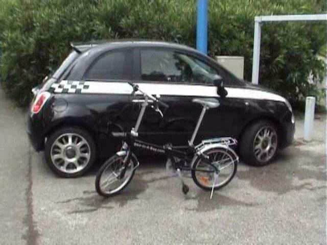 La bicicleta plegable ocupa poco espacio bicicletas - Guardar bicicletas en poco espacio ...